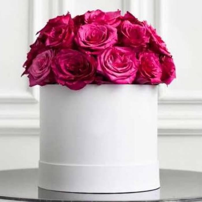 17 розовых роз в коробке R031
