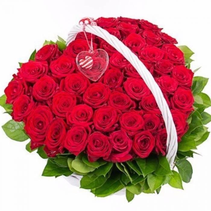 31 красная роза в форме сердца в корзине R028