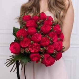 Букет 15 кустовых пионовидных роз R002