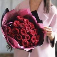 Букет 19 крупных красных роз R027